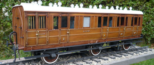 GNR/LNER 6 wheel teak carriage